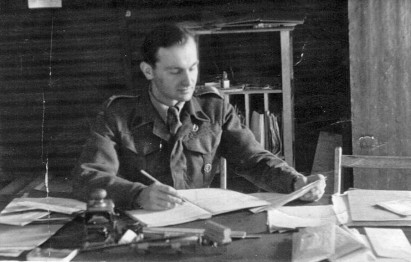 headquarters office first polish armoured division 1944.jpg
