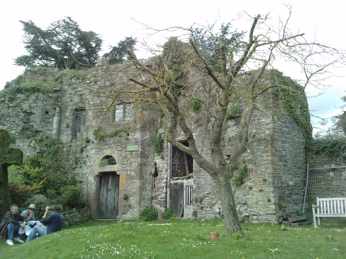 usk castle south wales